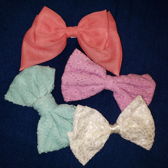 Ardene Bow Clips